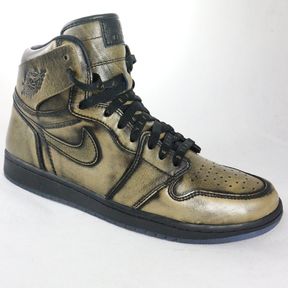 ce249c0ce98012 Jordan Other - Nike Air Jordan 1 Retro High OG Wings Black Gold
